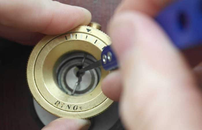 lock picking in leicester jg locksmiths